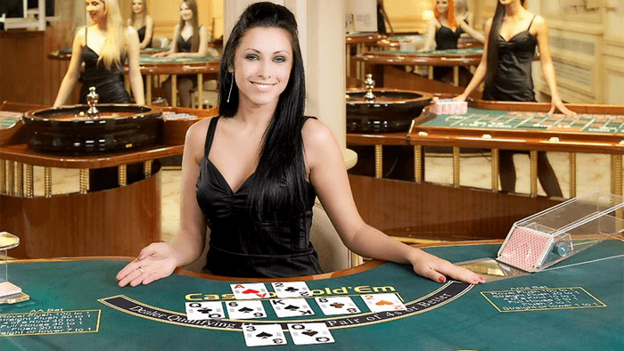 Smooth game play in Playtech's Live blackjack, hold'em, baccarat and roulette.